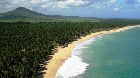 playa-limon-y-montana-redonda-en-miches.jpg